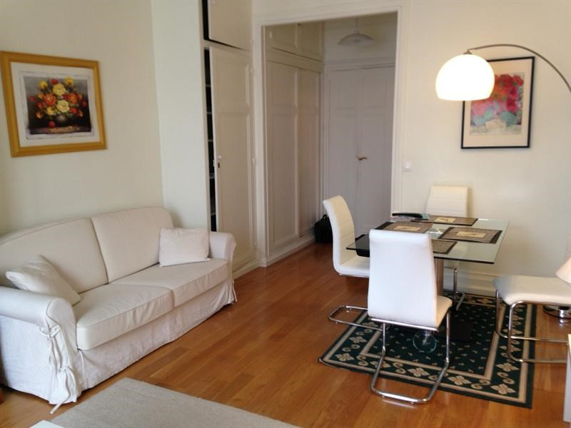 2 rooms apartment in paris 8 me france for Appart hotel 8eme paris