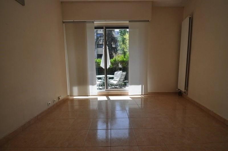 Location appartement Neuilly sur seine 1170€ CC - Photo 1