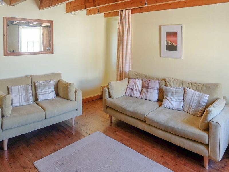Sale house / villa Saint-jean-d'angély 82500€ - Picture 3
