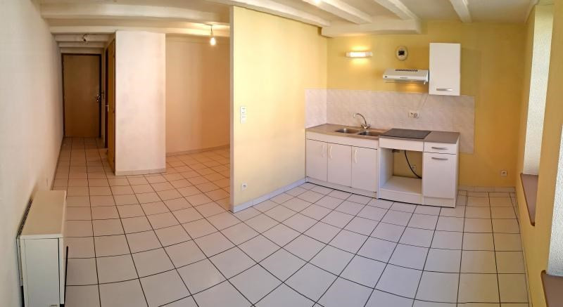 Rental apartment Nantua 213€ CC - Picture 1
