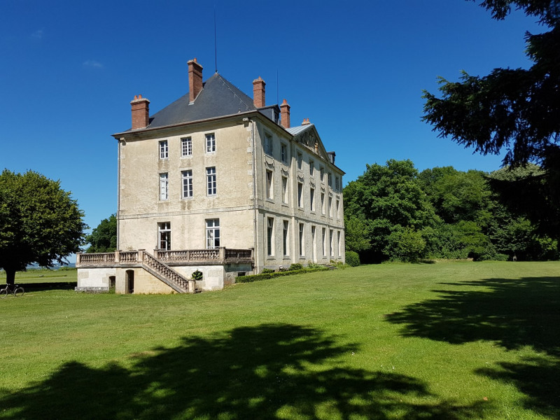Deluxe sale chateau Montjalin 1 980 000€ - Picture 2