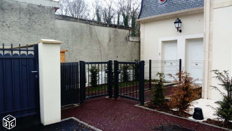 Sale apartment Vineuil st firmin 230 000€ - Picture 1