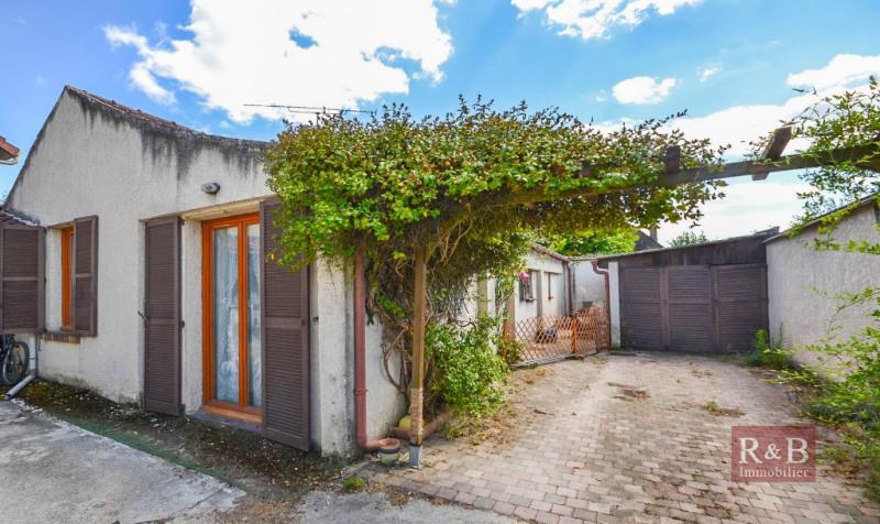 Sale apartment Villepreux 210000€ - Picture 1