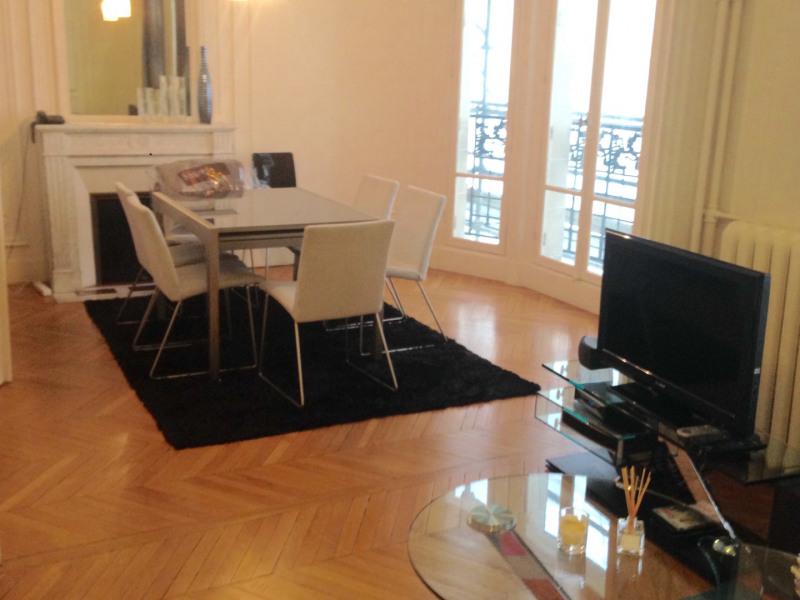 Rental apartment Paris 16ème 2499€ CC - Picture 1