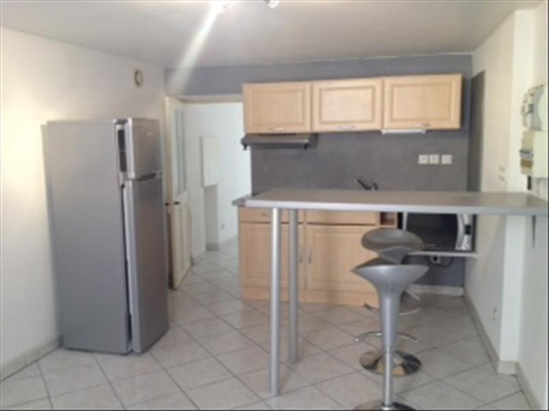 Rental apartment Cremieu 460€ CC - Picture 1