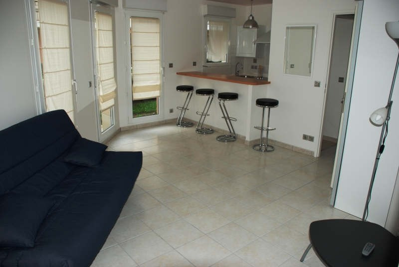 Rental apartment St ouen l aumone 650€ CC - Picture 2