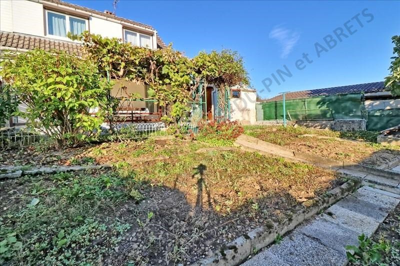 Vente maison / villa La tour du pin 145 000€ - Photo 8