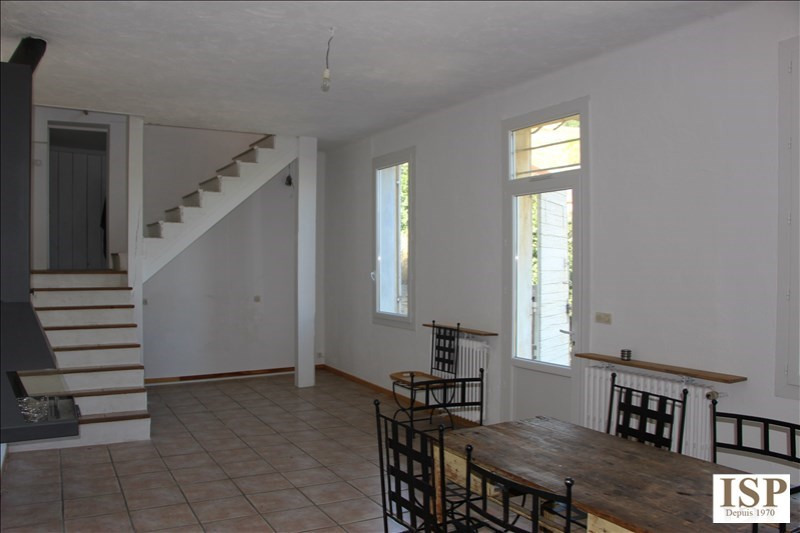 Rental house / villa Marseille 15 1 111€ CC - Picture 3