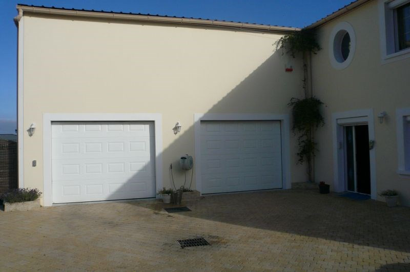 Sale empty room/storage Penchard 750 000€ - Picture 2