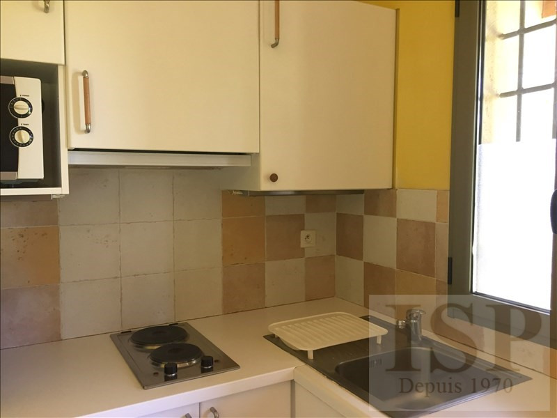 Location maison / villa Aix en provence 780€ CC - Photo 12