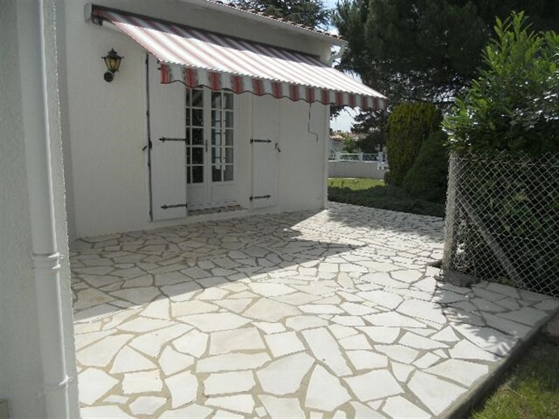 Vacation rental house / villa Royan 1 268€ - Picture 9