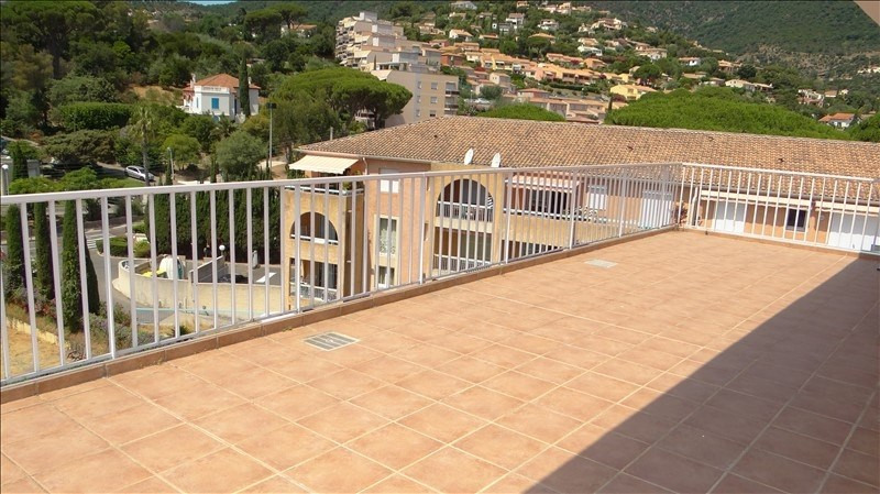 Deluxe sale apartment Cavalaire 580000€ - Picture 7