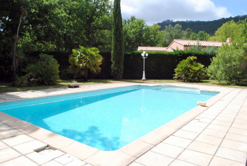 Vente maison / villa Bagnols-en-forêt 525000€ - Photo 4