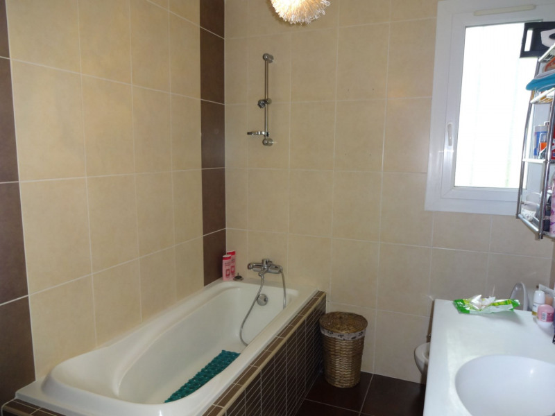Sale apartment Entraigues sur la sorgue 168000€ - Picture 8