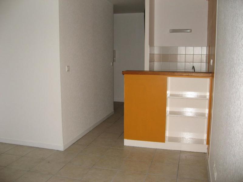 Rental apartment Limoges 410€ CC - Picture 2