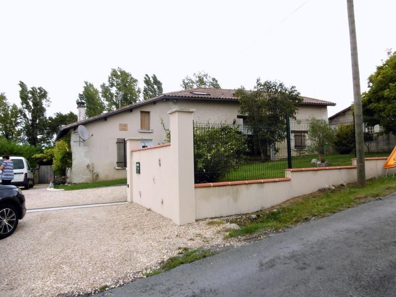 Sale house / villa Chalais 240000€ - Picture 5
