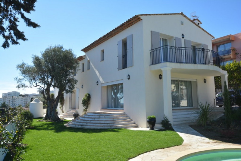 Deluxe sale house / villa Antibes 1290000€ - Picture 1