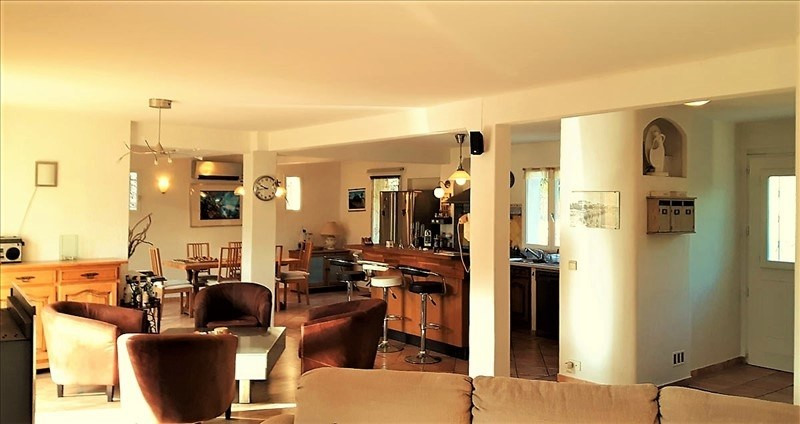 Deluxe sale house / villa Le golfe juan 885000€ - Picture 4