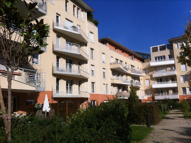 Rental apartment St denis 768€ CC - Picture 1