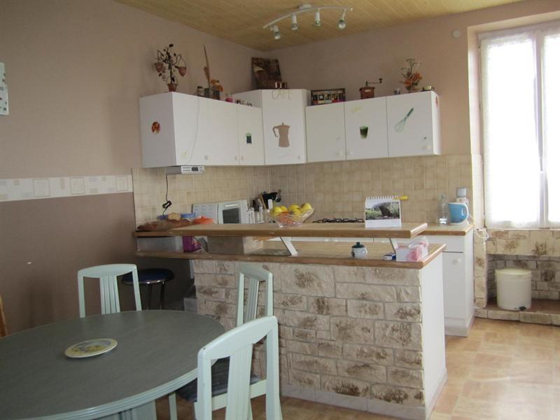 Sale house / villa Barbezieux saint-hilaire 85000€ - Picture 3