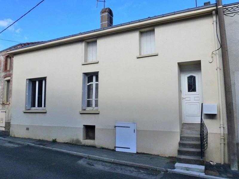 Vente maison / villa Le may sur evre 70200€ - Photo 1