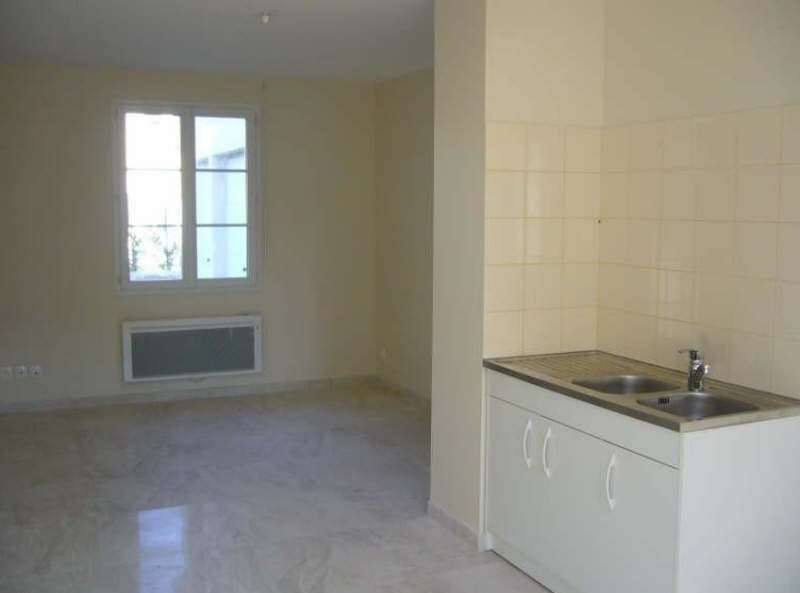 Rental apartment Ste genevieve 720€ CC - Picture 2