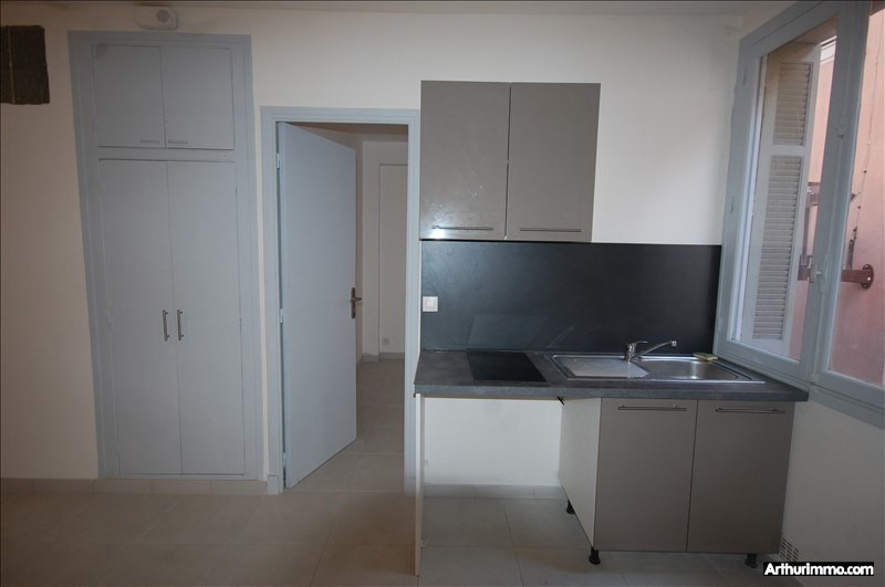 Rental apartment Frejus 495€ CC - Picture 2