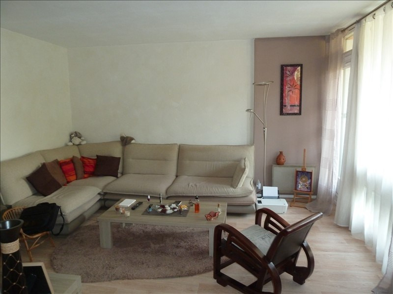 Rental apartment Andresy 841€ CC - Picture 2