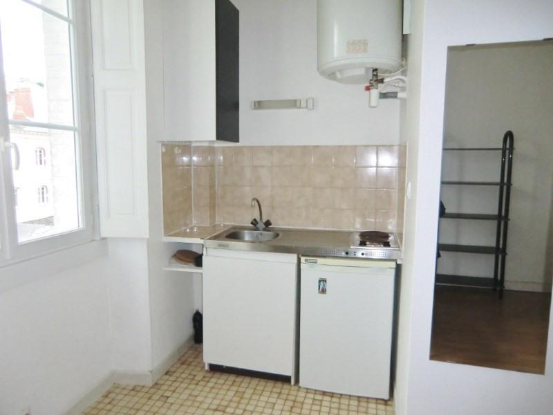 Location appartement Nantes 397€ CC - Photo 1