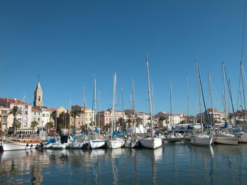 Location vacances appartement Sanary sur mer 390€ - Photo 1