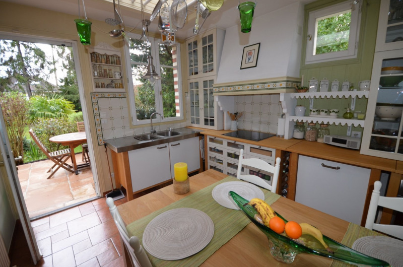 Sale house / villa Croissy-sur-seine 830000€ - Picture 7