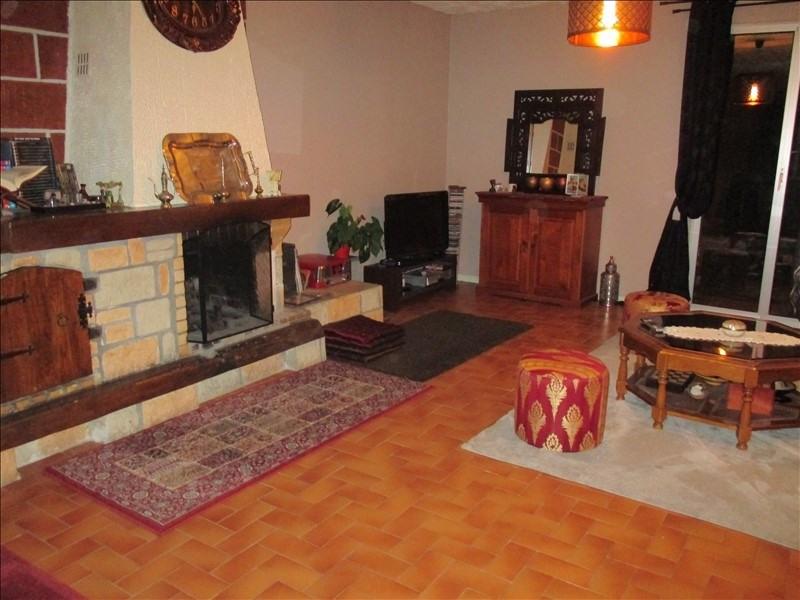 Sale house / villa Villeneuve la guyard 160500€ - Picture 2