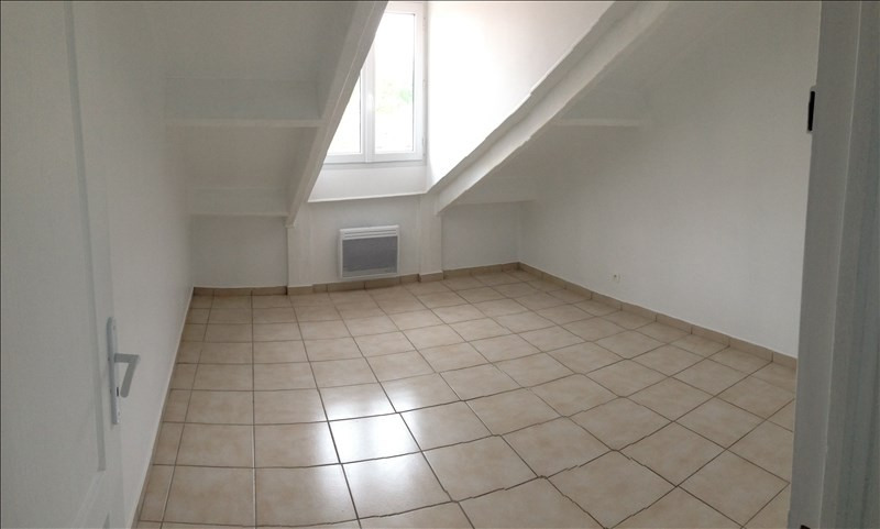 Rental apartment Claye souilly 920€ CC - Picture 5