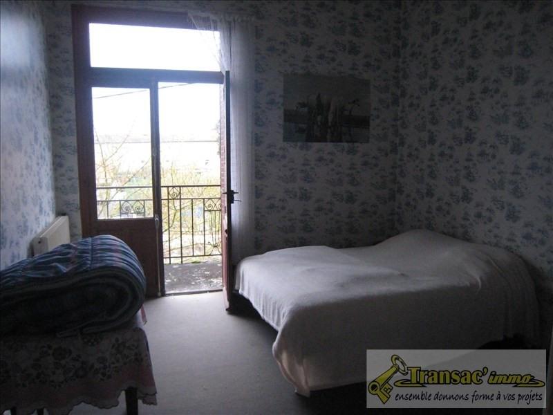 Sale house / villa Puy guillaume 110210€ - Picture 6