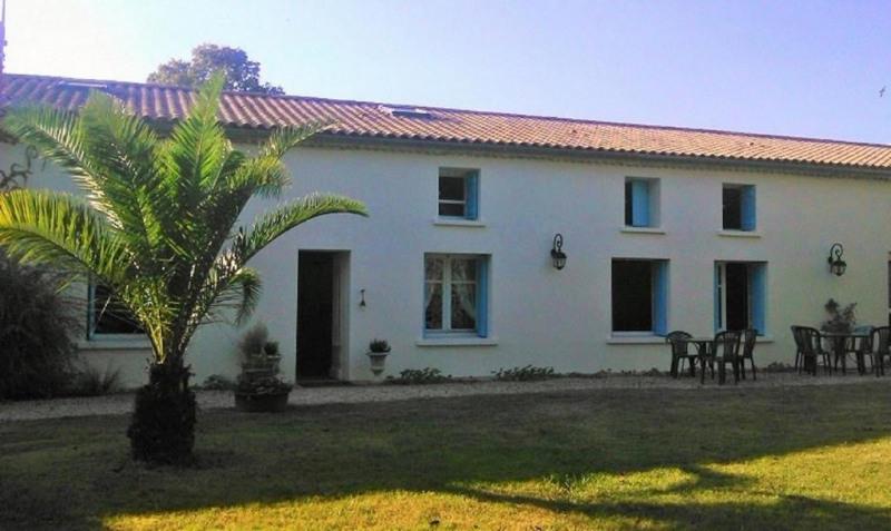 Deluxe sale house / villa Saint sulpice de royan 690000€ - Picture 1