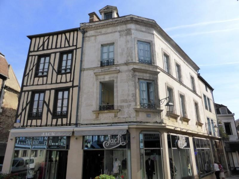 Sale building Auxerre 750 000€ - Picture 1