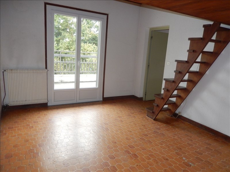 Location appartement Le monteil 393,75€ CC - Photo 1