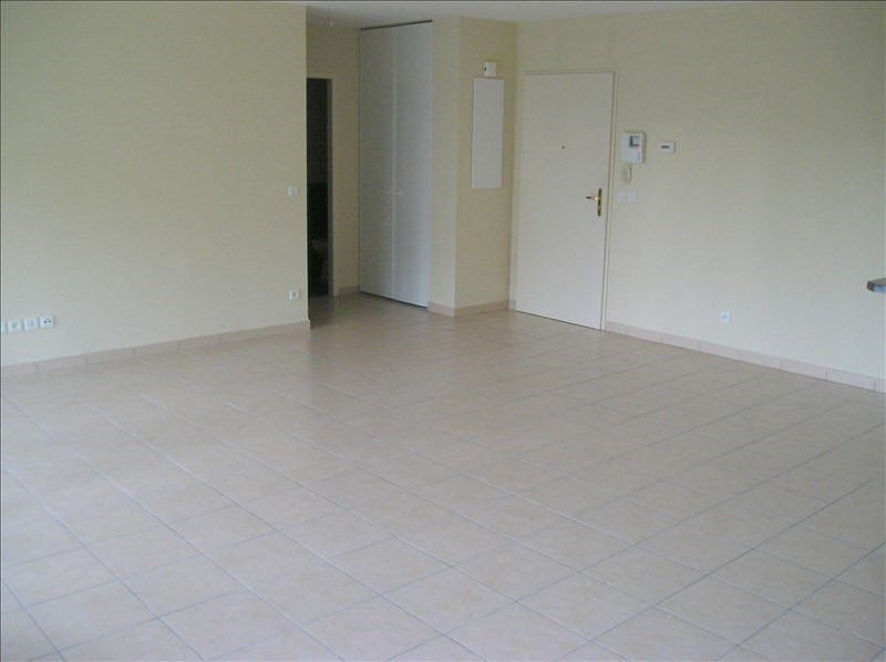 Location appartement Divonne les bains 1 200€ CC - Photo 3