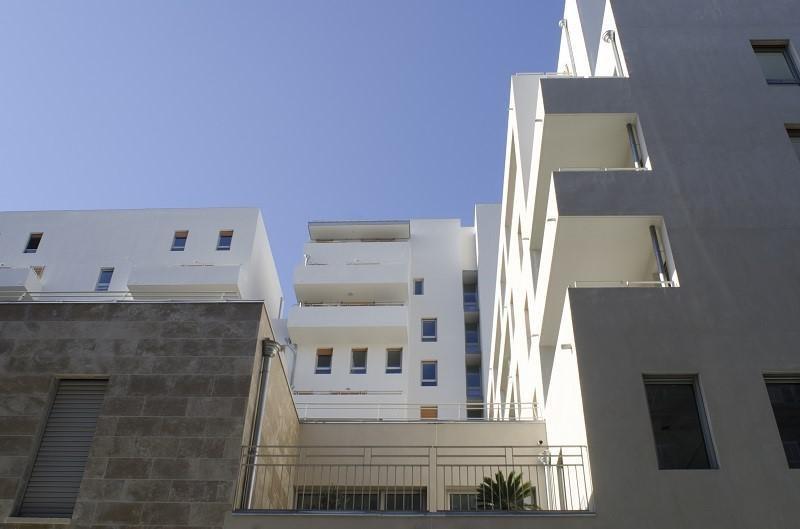Rental apartment Marseille 3ème 840€ CC - Picture 1