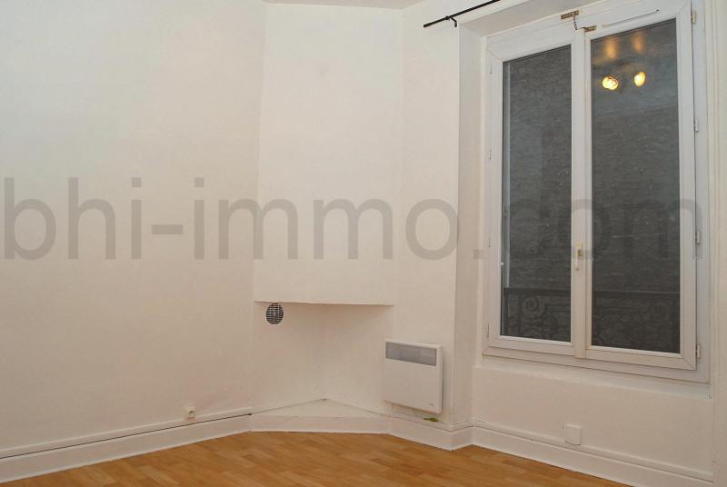 Location appartement Paris 18ème 610€ CC - Photo 2