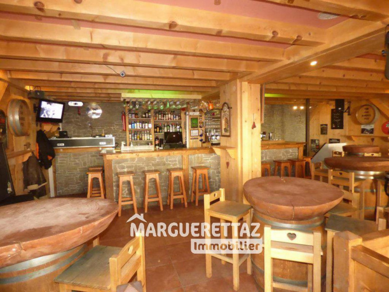 Commercial property sale shop Morillon 262 500€ - Picture 3