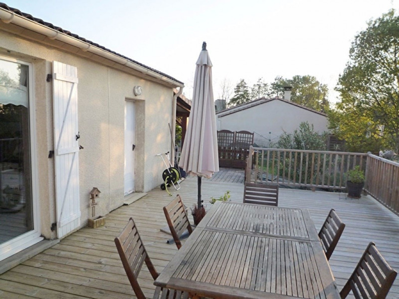 Sale house / villa Foulayronnes 254000€ - Picture 10