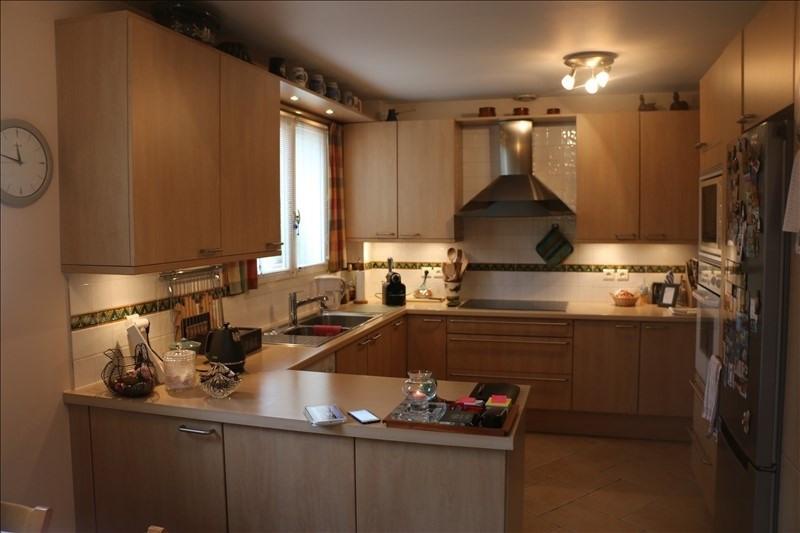 Sale house / villa St nom la breteche 840000€ - Picture 5