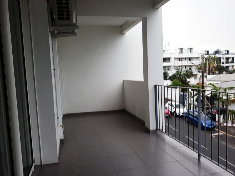 Sale apartment St denis 211000€ - Picture 2
