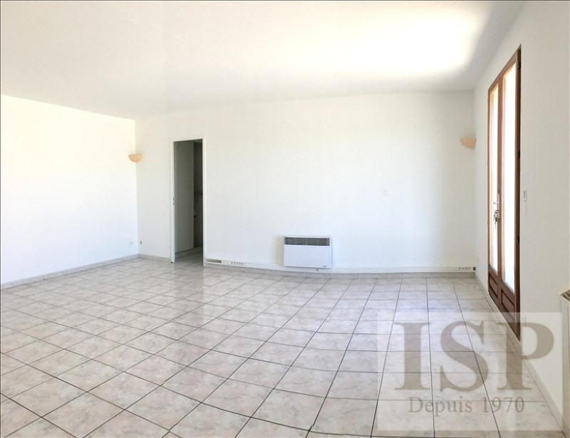 Rental apartment Les milles 650€ CC - Picture 3