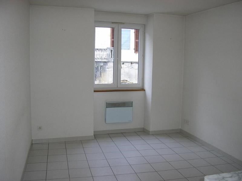Location appartement Montreal la cluse 290€ CC - Photo 1
