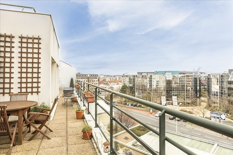 Sale apartment Courbevoie 679 000€ - Picture 1