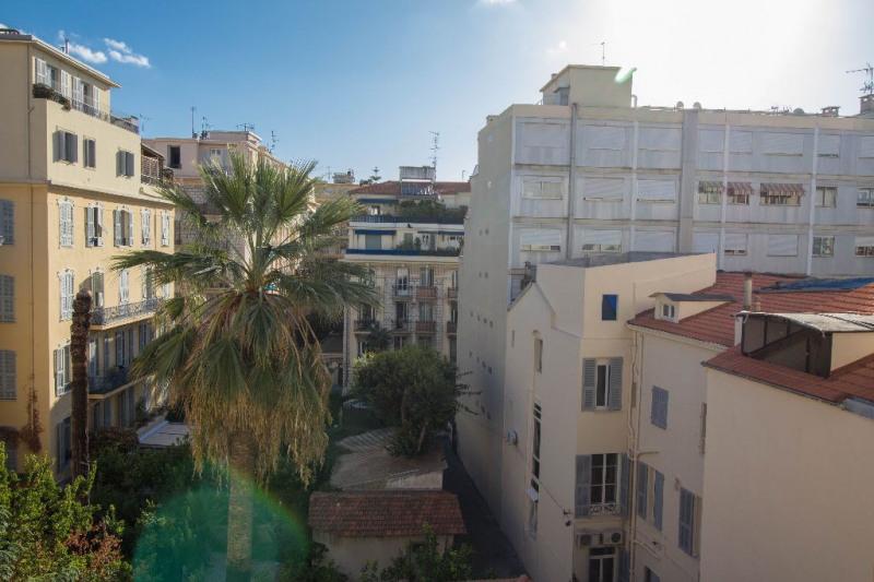 Rental apartment Nice 835€ CC - Picture 2