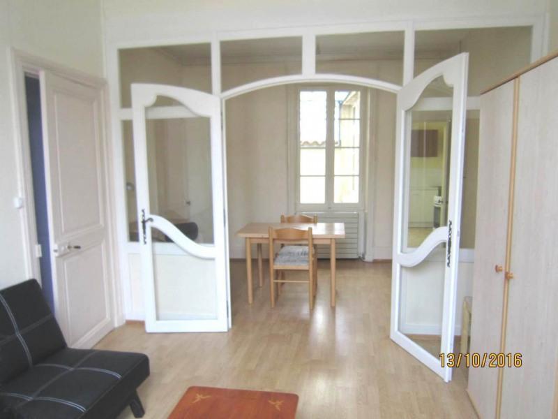Location appartement Cognac 340€ CC - Photo 1