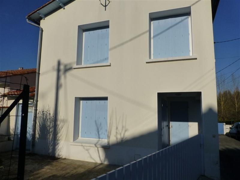 Rental house / villa Saint-jean-d'angély 595€ CC - Picture 1